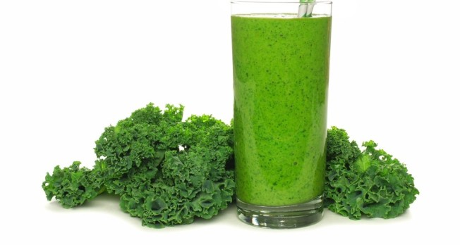 Pear-and-Kale-Smoothie-e1458247651808